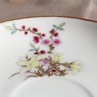 芸術的な絵付け、完璧なフォルムの百花図カップ&ソーサーのサムネイル