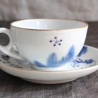 染付けで金魚を描いた紅茶珈琲兼用カップ&ソーサーのサムネイル