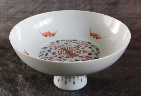 五福を描いたコンポート皿、老料粉彩五福捧寿図果盤