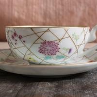 美しい花の絵付け、涼しげな氷裂文のカップ&ソーサーのサムネイル