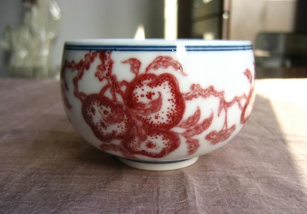 本釉裏紅仙桃図杯-希少な本物の釉裏紅