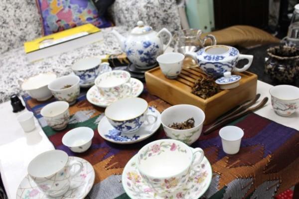 景徳鎮茶器でネパール烏龍茶と雲南紅茶を